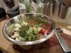 Skär ner grönsakerna och täck med folie. Låt stå i kylen 48h.