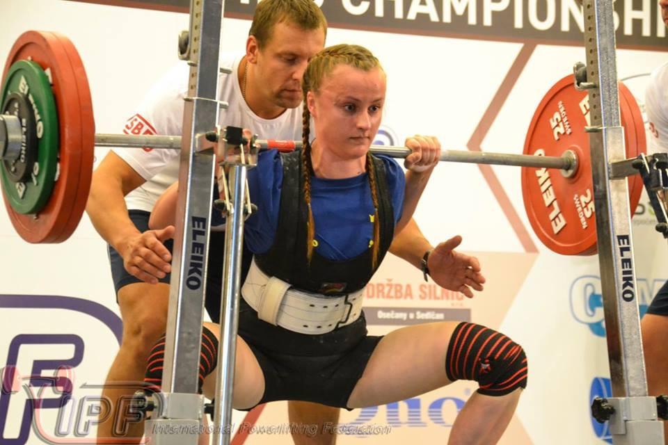 Isabellarosquist- 18årig styrkelyftare