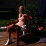 Vissa dagar är jobbigare än andra att vara på jobbet ;) hehe.... Ute och  njuter av solen med en kopp saft och P4 Dansbandstoppen =)